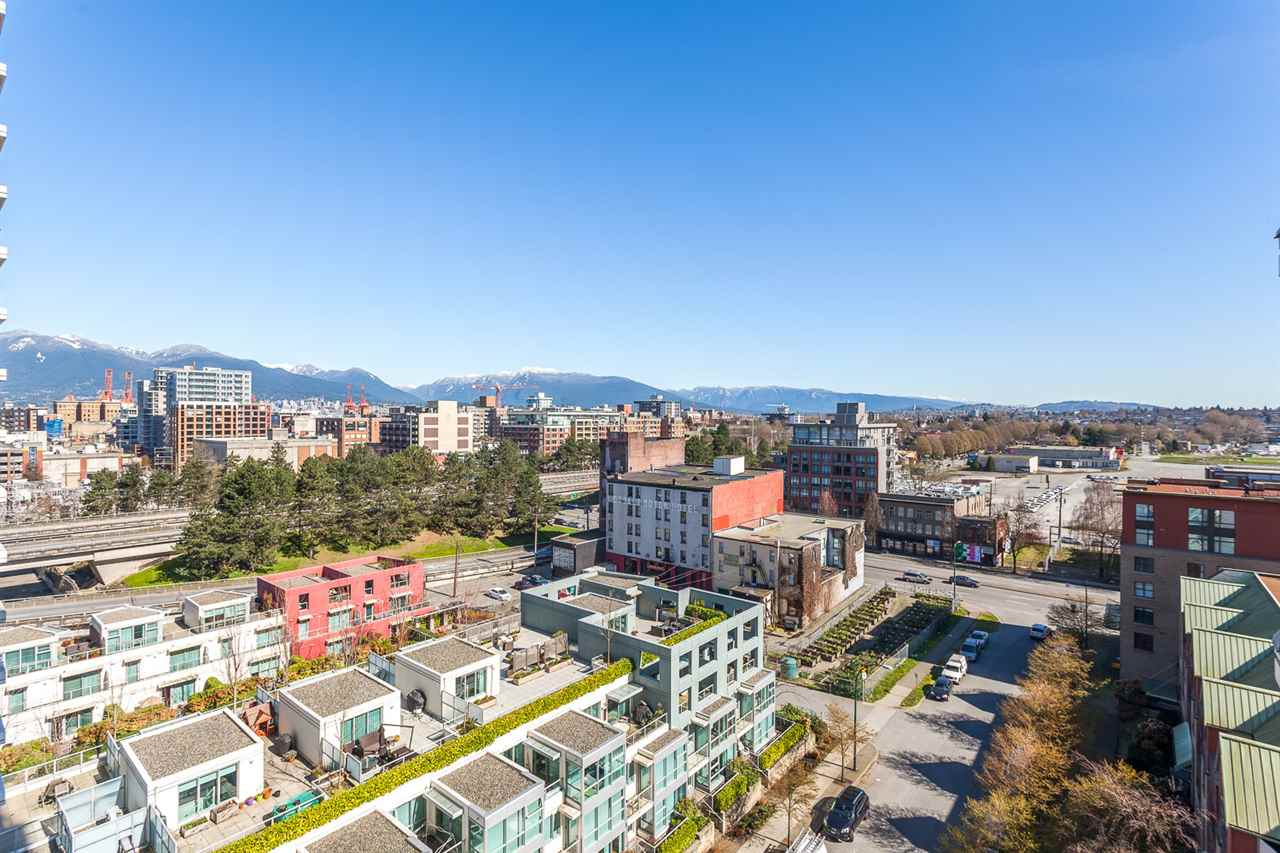 "Photo 11: 1101 120 MILROSS Avenue in Vancouver: Mount Pleasant VE Condo for sale in ""Brighton"" (Vancouver East)  : MLS(r) # R2048208"