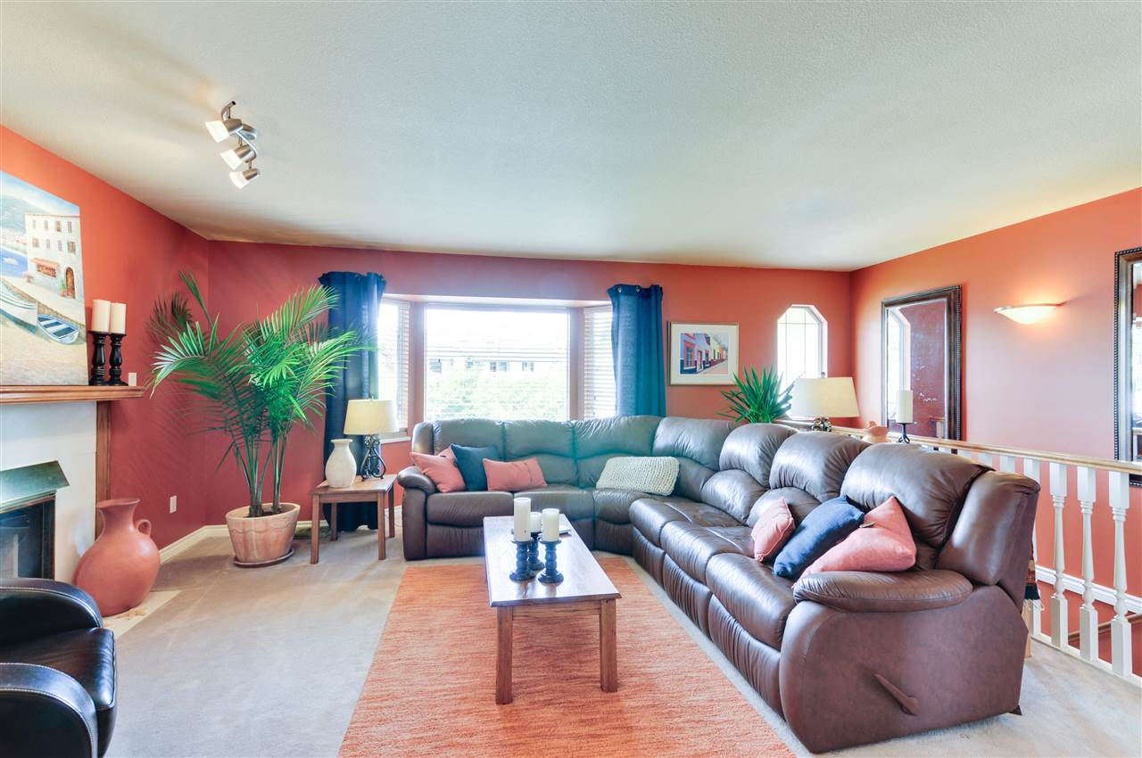 Photo 4: 16162 8A Avenue in Surrey: King George Corridor House for sale (South Surrey White Rock)  : MLS® # R2090882