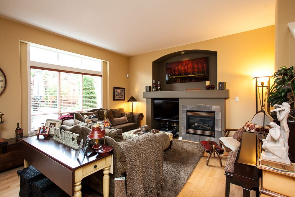 "Photo 6: 7051 200B Street in Langley: Willoughby Heights House for sale in ""WILLOUGHBY WOODS"" : MLS® # R2100271"