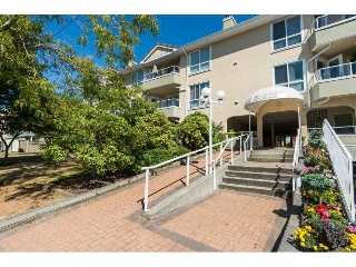 "Main Photo: 312 15875 MARINE Drive: White Rock Condo for sale in ""Southport"" (South Surrey White Rock)  : MLS(r) # R2102852"