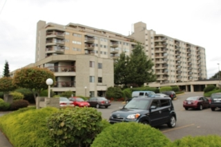 "Main Photo: 209 31955 OLD YALE Road in Abbotsford: Abbotsford West Condo for sale in ""EVERGREEN VILLAGE"" : MLS(r) # R2106917"