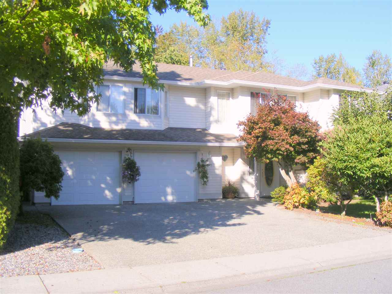 Main Photo: 11917 237TH Street in Maple Ridge: East Central House for sale : MLS®# R2112735