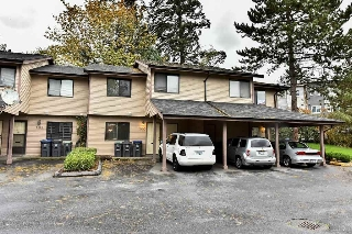 "Main Photo: 160 7269 140 Street in Surrey: East Newton Townhouse for sale in ""NEWTON PARK2"" : MLS(r) # R2117070"