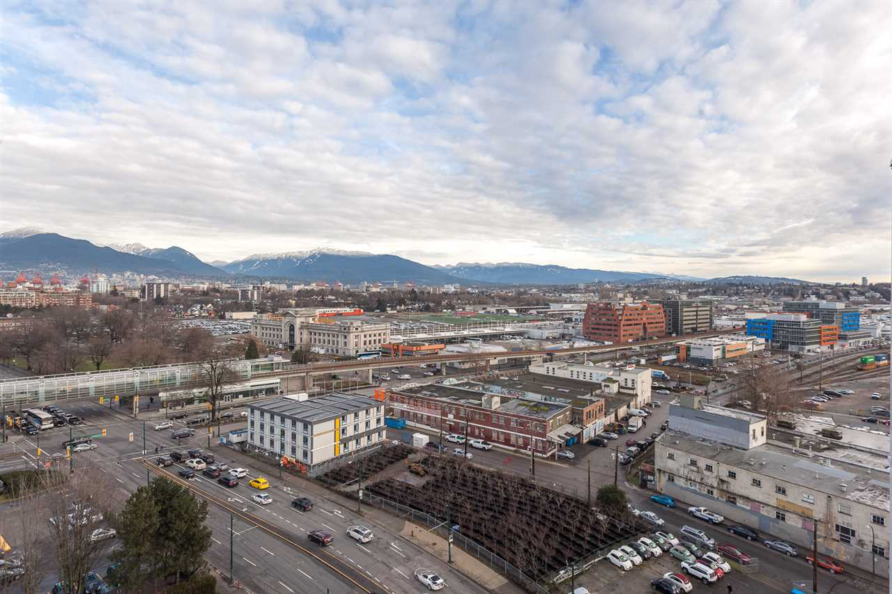 "Photo 6: 1815 1618 QUEBEC Street in Vancouver: Mount Pleasant VE Condo for sale in ""Central"" (Vancouver East)  : MLS® # R2140904"