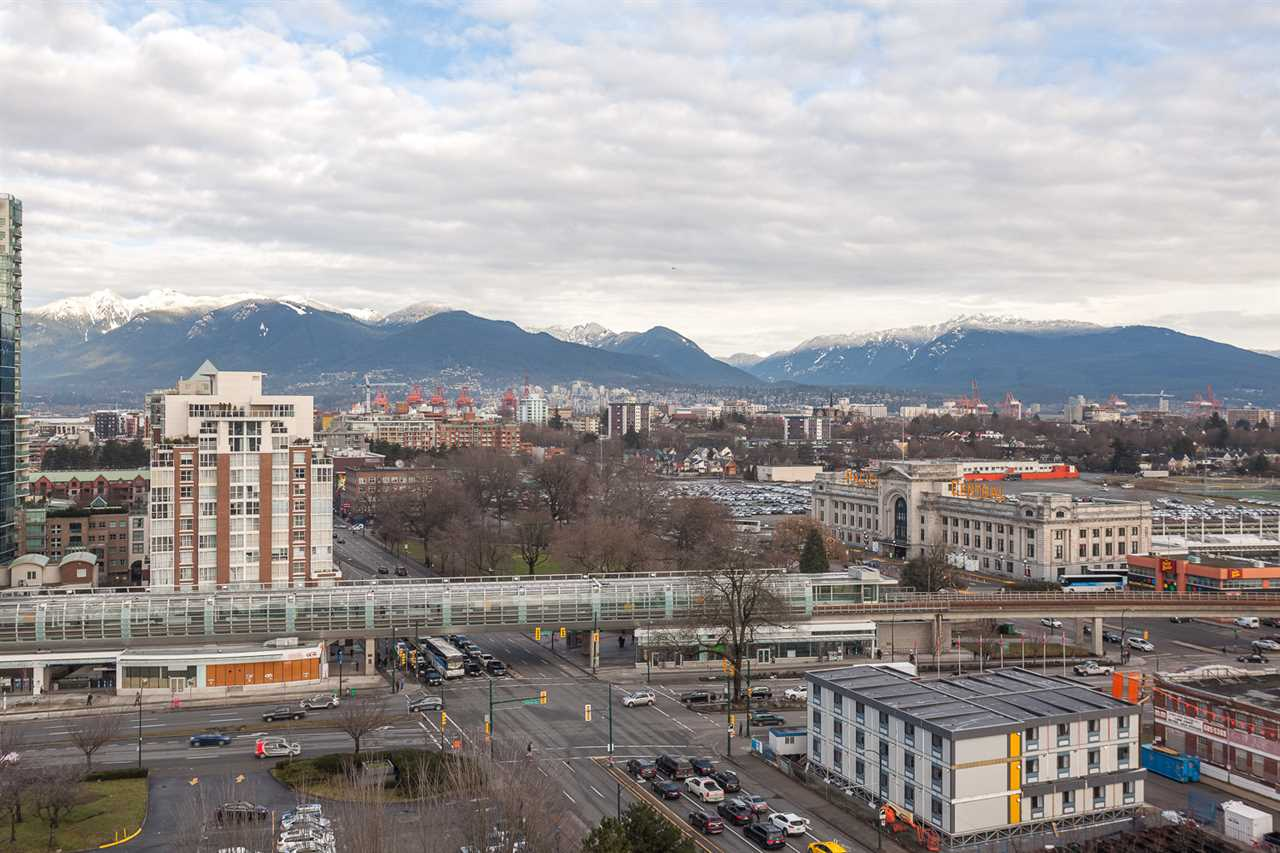 "Photo 7: 1815 1618 QUEBEC Street in Vancouver: Mount Pleasant VE Condo for sale in ""Central"" (Vancouver East)  : MLS® # R2140904"