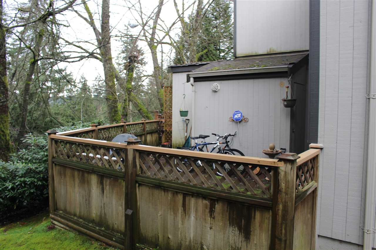"Photo 15: 860 BLACKSTOCK Road in Port Moody: North Shore Pt Moody Townhouse for sale in ""WOODSIDE VILLAGE"" : MLS® # R2153342"
