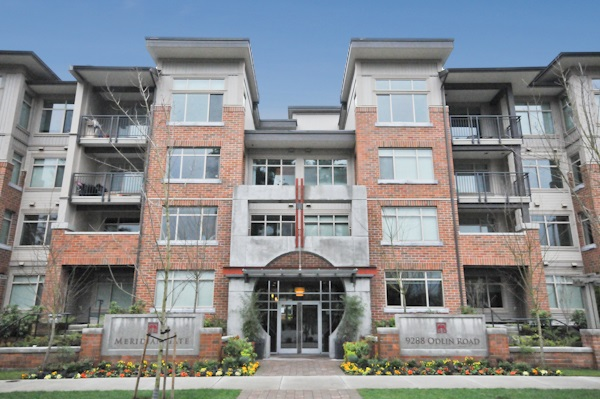 Main Photo: 121 9288 ODLIN Road in Richmond: West Cambie Condo for sale : MLS® # R2153959