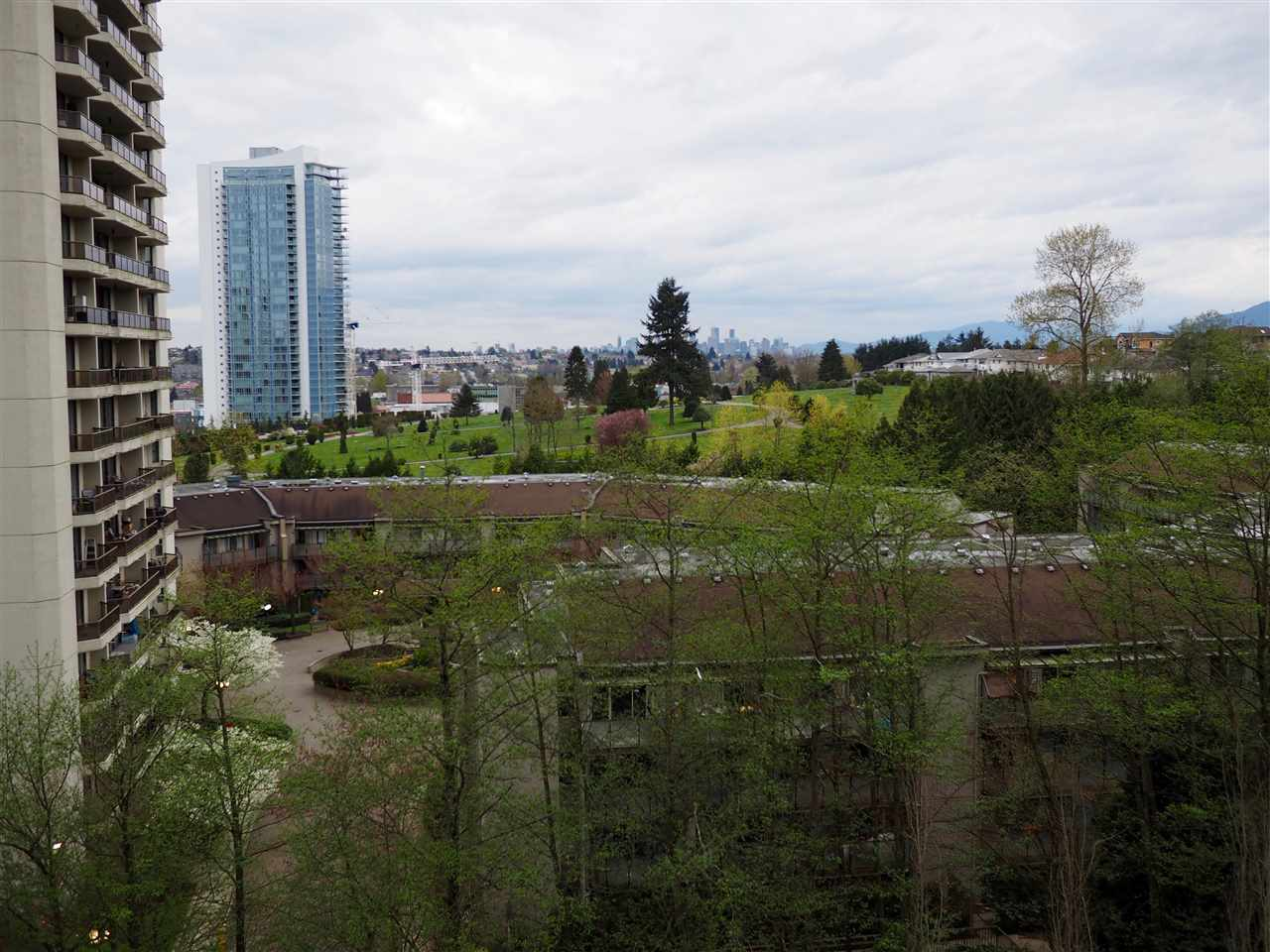 "Main Photo: 807 4425 HALIFAX Street in Burnaby: Brentwood Park Condo for sale in ""POLARIS"" (Burnaby North)  : MLS®# R2156350"