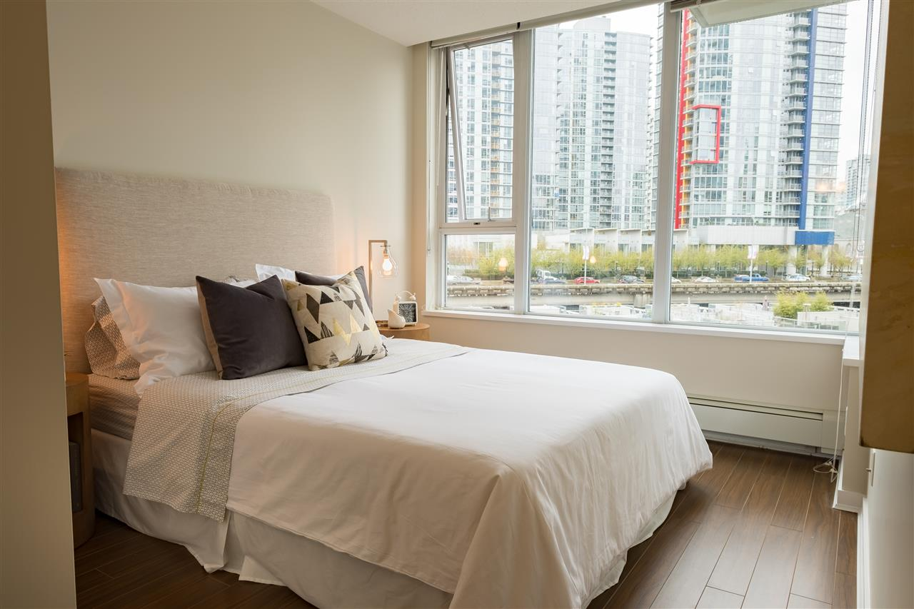 Photo 8: 703 633 ABBOTT STREET in Vancouver: Downtown VW Condo for sale (Vancouver West)  : MLS® # R2155830