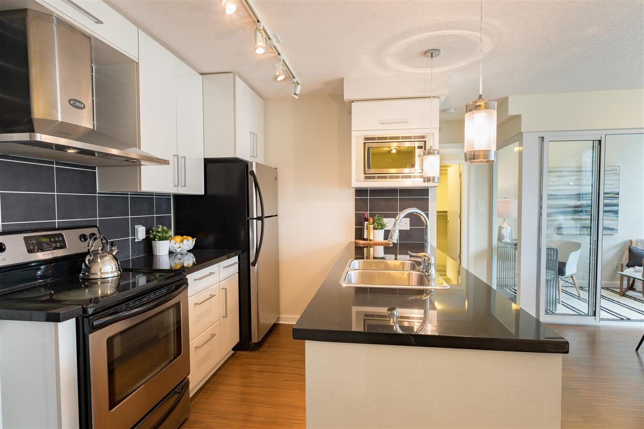 Photo 6: 703 633 ABBOTT STREET in Vancouver: Downtown VW Condo for sale (Vancouver West)  : MLS® # R2155830