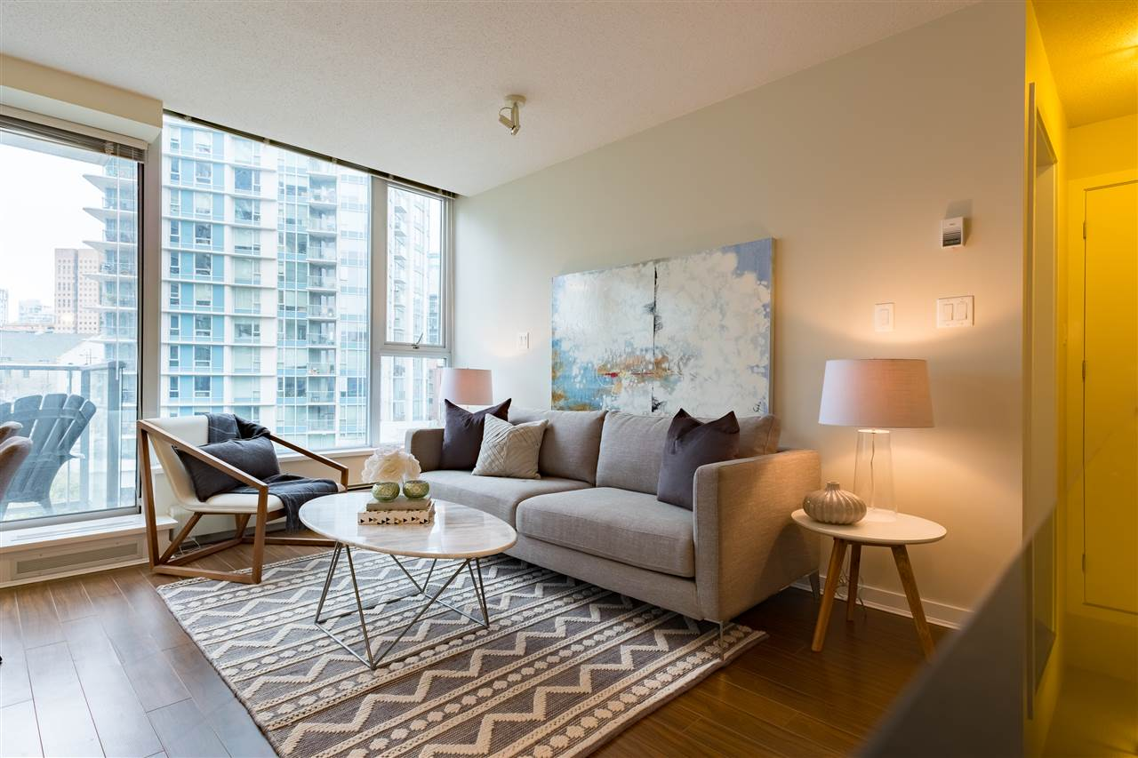 Photo 1: 703 633 ABBOTT STREET in Vancouver: Downtown VW Condo for sale (Vancouver West)  : MLS® # R2155830