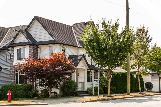 Main Photo: 19338 68 Avenue in Surrey: Clayton House for sale (Cloverdale)  : MLS® # R2176436