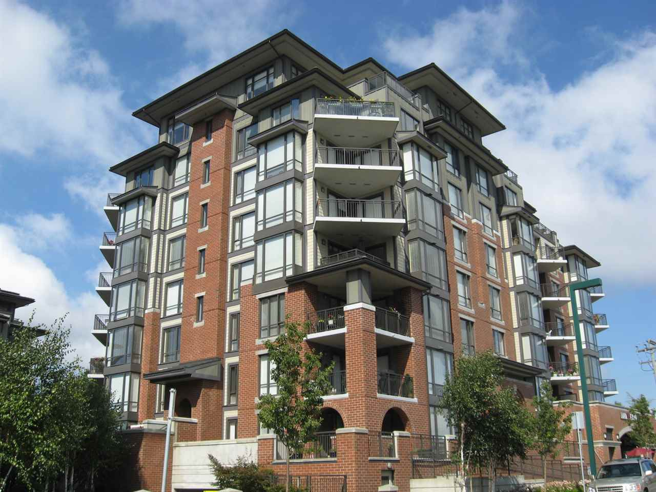 "Main Photo: 207 1551 FOSTER Street: White Rock Condo for sale in ""Sussex House"" (South Surrey White Rock)  : MLS®# R2176635"