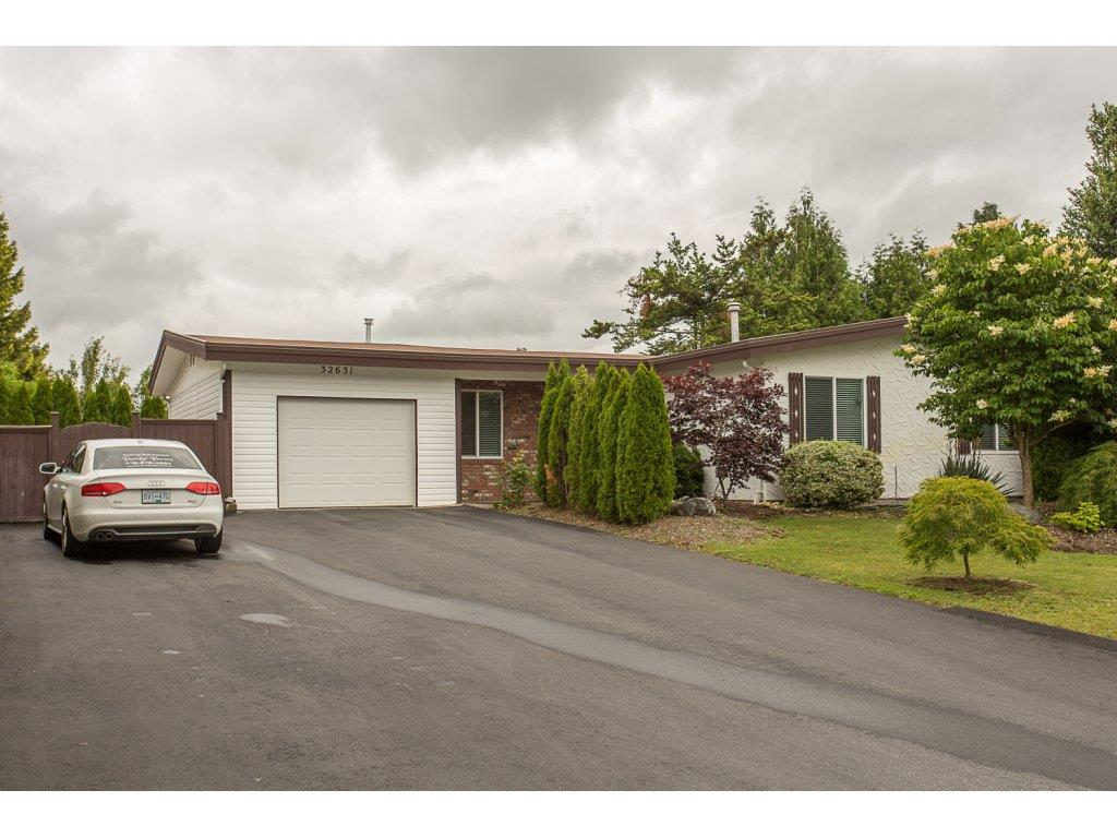 "Main Photo: 32631 BEVAN Avenue in Abbotsford: Abbotsford West House for sale in ""MILL LAKE AREA"" : MLS® # R2178246"