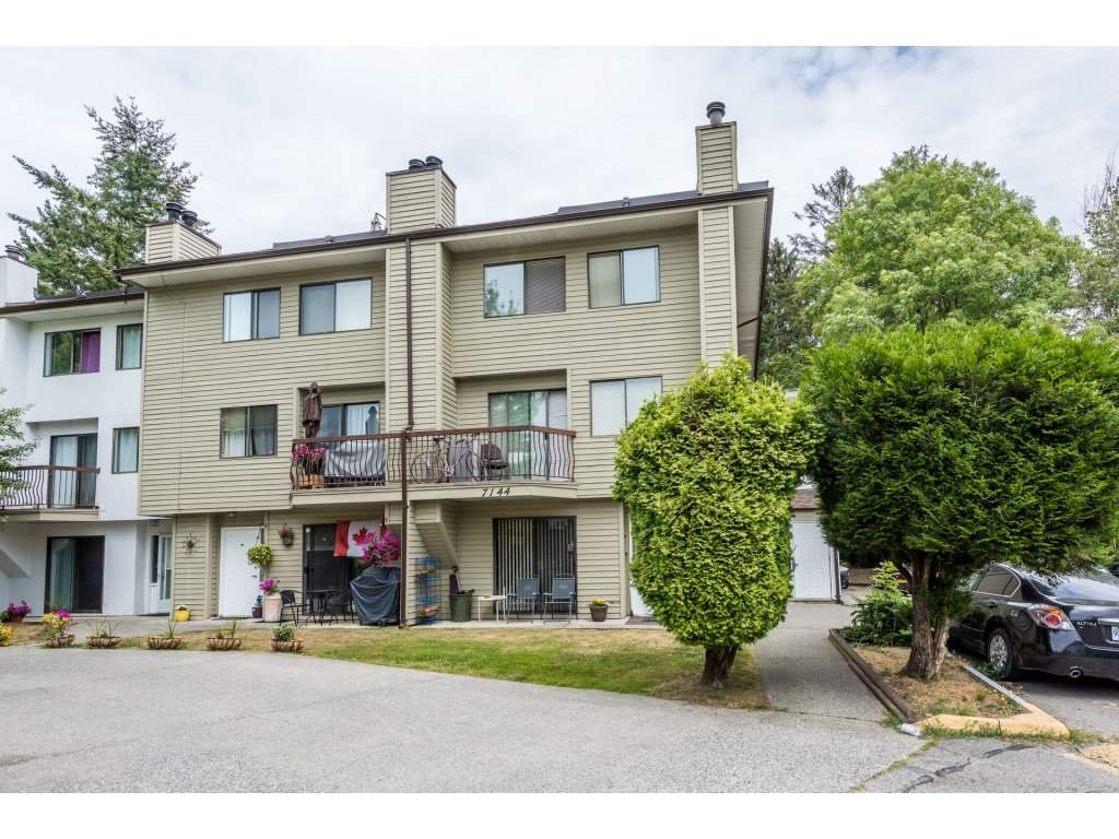 Main Photo: 207 7144 133B Street in Surrey: West Newton Townhouse for sale : MLS(r) # R2187497