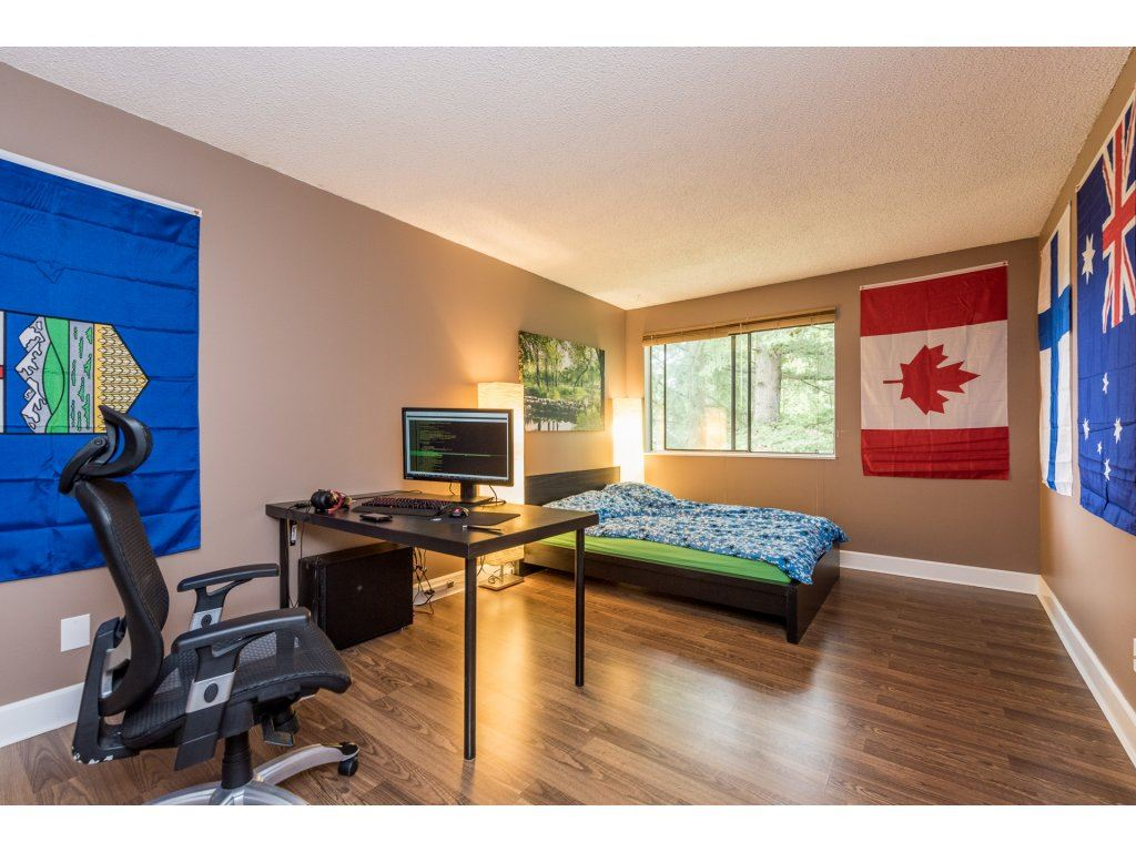 Photo 11: 207 7144 133B Street in Surrey: West Newton Townhouse for sale : MLS(r) # R2187497