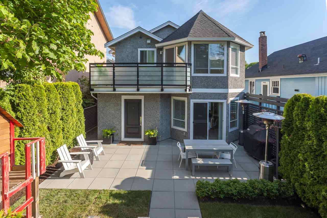 Main Photo: 54 W 14TH AVENUE in Vancouver: Mount Pleasant VW House 1/2 Duplex for sale (Vancouver West)  : MLS® # R2173717