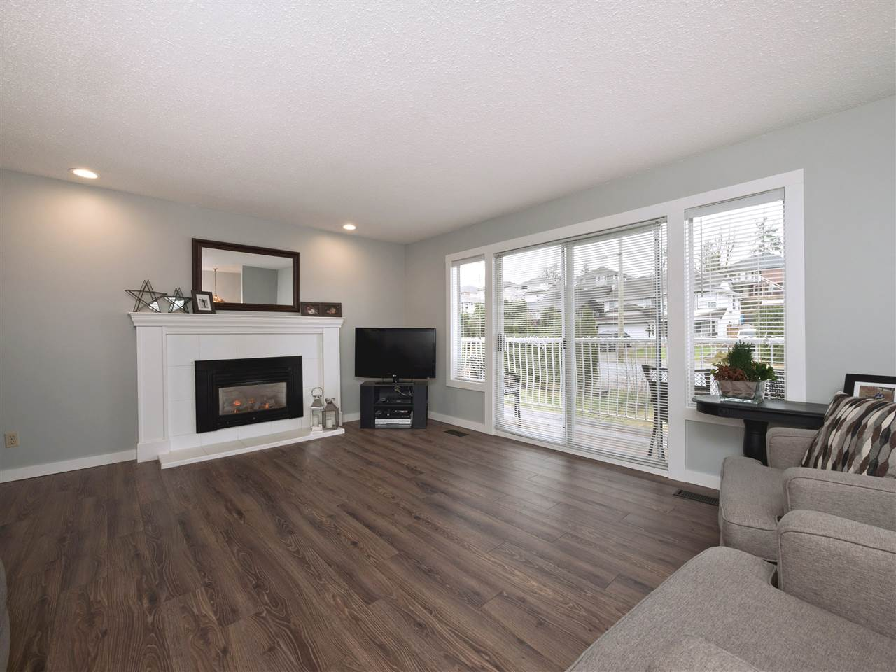 Photo 8: Photos: 33131 CHERRY Avenue in Mission: Mission BC House for sale : MLS® # R2236875