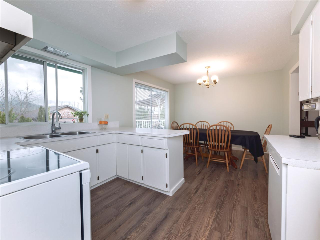 Photo 10: Photos: 33131 CHERRY Avenue in Mission: Mission BC House for sale : MLS® # R2236875
