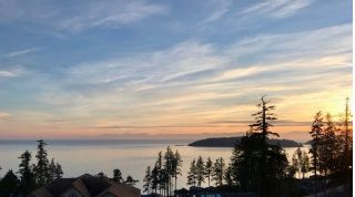 Main Photo: 5984 COWRIE Street in Sechelt: Sechelt District House for sale (Sunshine Coast)  : MLS®# R2244145