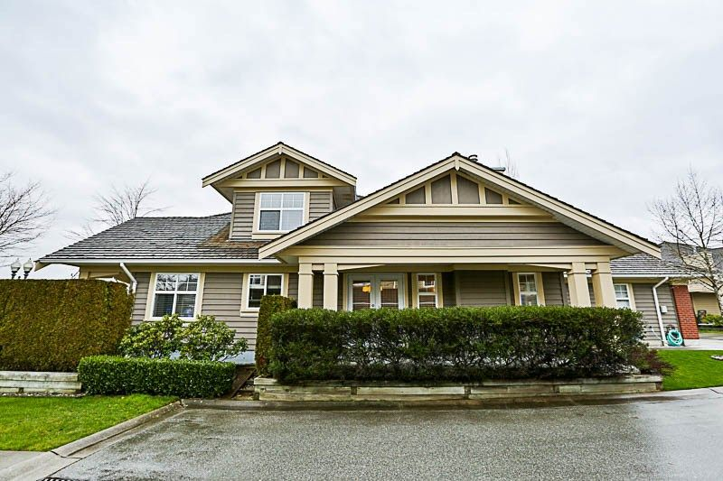"Main Photo: 16 15450 ROSEMARY HEIGHTS Crescent in Surrey: Morgan Creek Townhouse for sale in ""CARRINGTON"" (South Surrey White Rock)  : MLS® # R2245684"