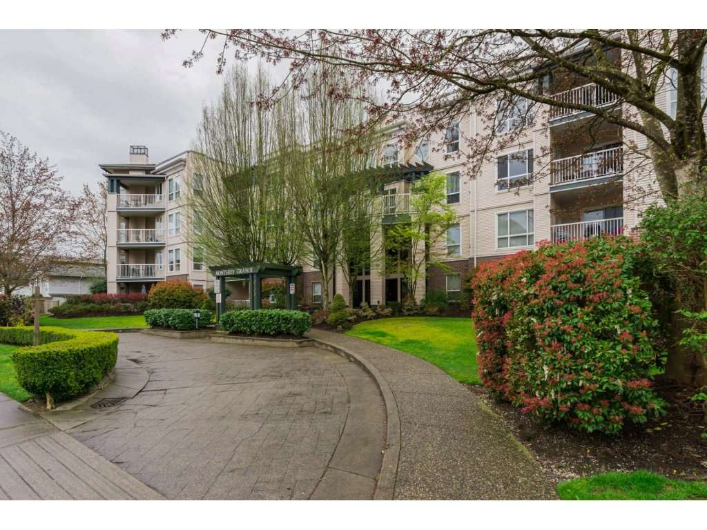 Main Photo: 308 20200 54A AVENUE in Langley: Langley City Condo for sale : MLS®# R2221595