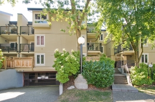 "Main Photo: 306 1450 E 7TH Avenue in Vancouver: Grandview VE Condo for sale in ""Ridgeway Place"" (Vancouver East)  : MLS®# V892318"