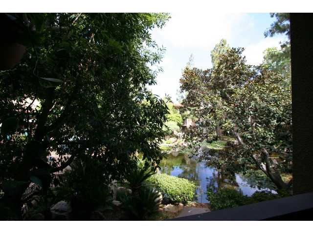 Main Photo: PACIFIC BEACH Condo for sale : 2 bedrooms : 1801 Diamond #209