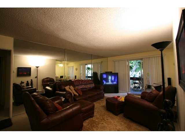Photo 2: PACIFIC BEACH Condo for sale : 2 bedrooms : 1801 Diamond #209