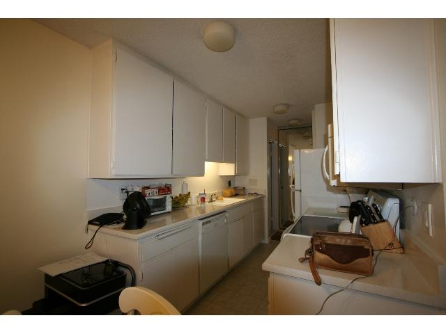 Photo 5: PACIFIC BEACH Condo for sale : 2 bedrooms : 1801 Diamond #209