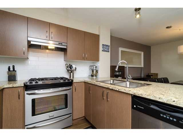Main Photo: 110 3105 LINCOLN Avenue in Coquitlam: New Horizons Condo for sale : MLS® # V1047325