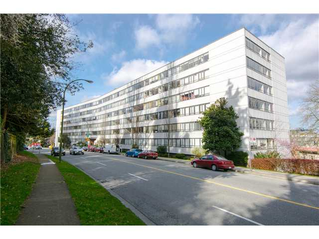 "Main Photo: 316 1445 MARPOLE Avenue in Vancouver: Fairview VW Condo for sale in ""Hycroft Towers"" (Vancouver West)  : MLS® # V1055467"