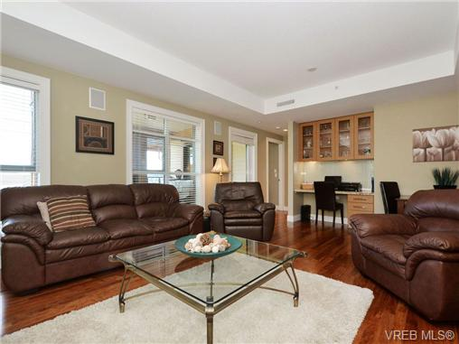 Photo 3: 601 1400 Lynburne Place in VICTORIA: La Bear Mountain Condo Apartment for sale (Langford)  : MLS® # 347509