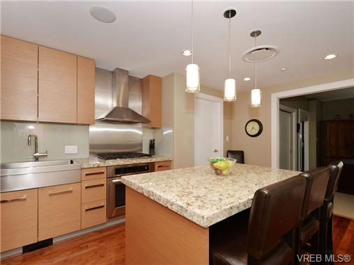 Photo 6: 601 1400 Lynburne Place in VICTORIA: La Bear Mountain Condo Apartment for sale (Langford)  : MLS® # 347509