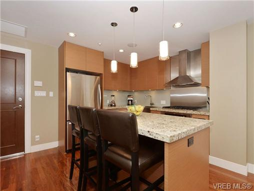 Photo 5: 601 1400 Lynburne Place in VICTORIA: La Bear Mountain Condo Apartment for sale (Langford)  : MLS® # 347509