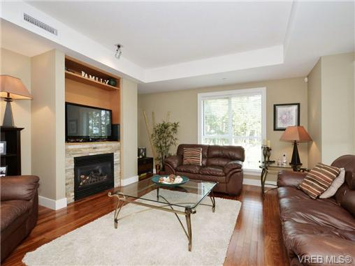 Photo 2: 601 1400 Lynburne Place in VICTORIA: La Bear Mountain Condo Apartment for sale (Langford)  : MLS® # 347509