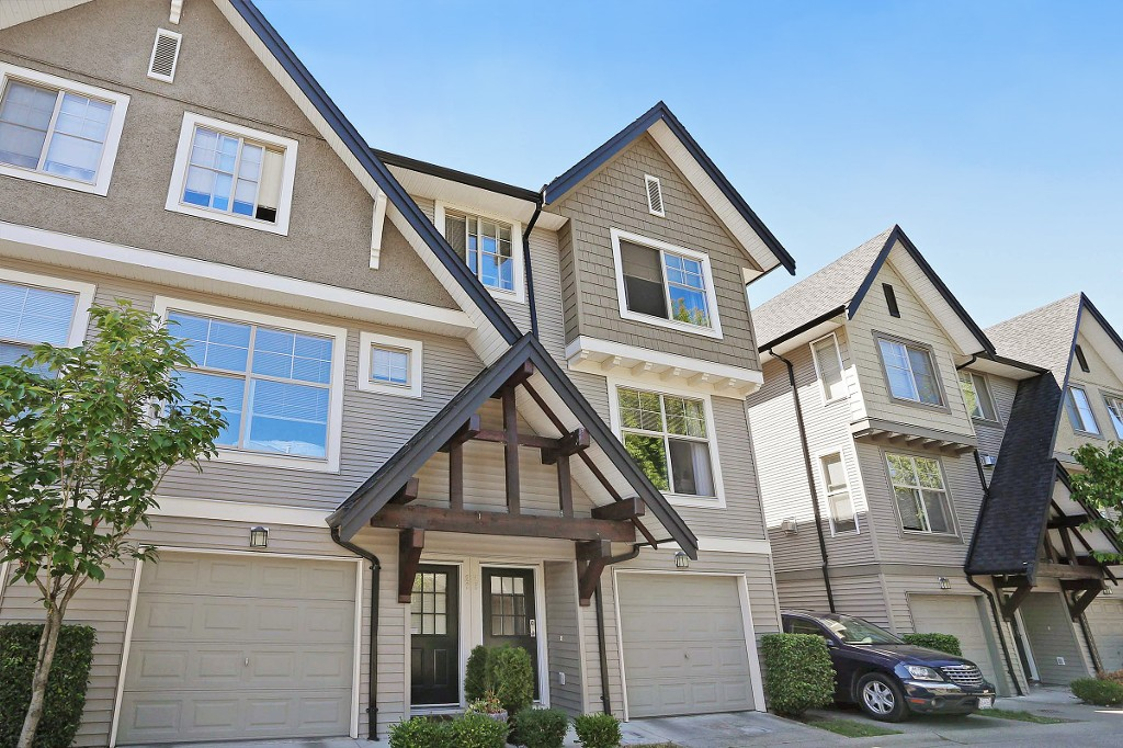 "Main Photo: 28 15152 62A Avenue in Surrey: Sullivan Station Townhouse for sale in ""UPLANDS"" : MLS®# F1449894"