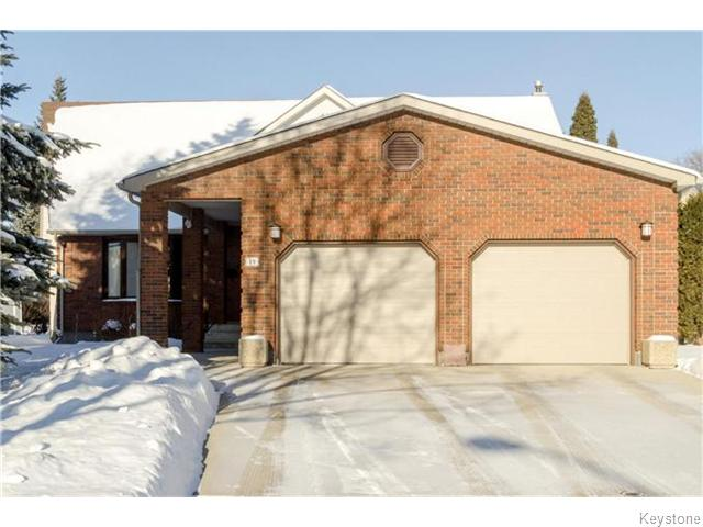 Main Photo: 19 Radium Cove in WINNIPEG: North Kildonan Residential for sale (North East Winnipeg)  : MLS(r) # 1601477