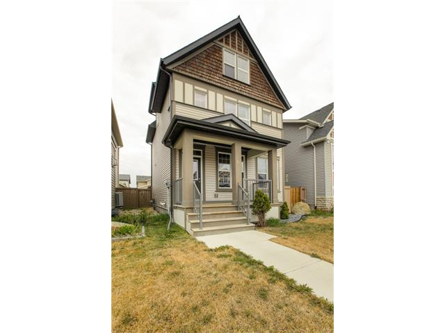 Photo 3: 15 SKYVIEW SPRINGS Crescent NE in Calgary: Skyview Ranch House for sale : MLS® # C4062075