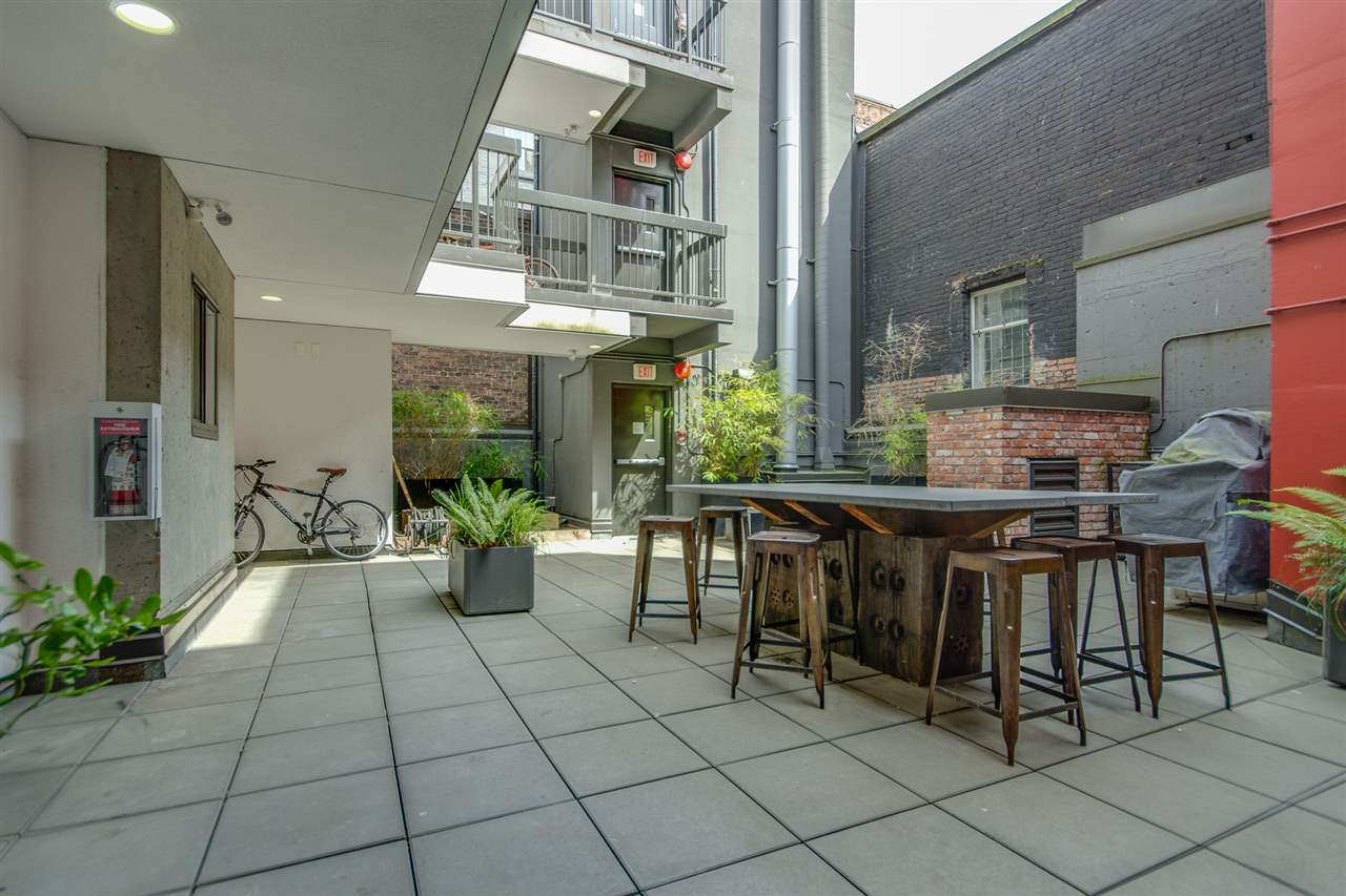 "Photo 13: 303 370 CARRALL Street in Vancouver: Downtown VE Condo for sale in ""21 DOORS"" (Vancouver East)  : MLS® # R2072184"