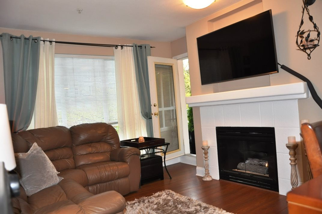 "Photo 2: 314 9979 140 Street in Surrey: Whalley Condo for sale in ""SHERWOOD GREEN"" (North Surrey)  : MLS® # R2074130"