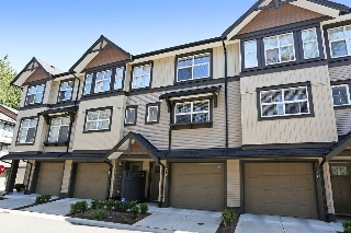 "Main Photo: 39 6123 138 Street in Surrey: Sullivan Station Townhouse for sale in ""PANORAMA WOODS"" : MLS(r) # R2087165"