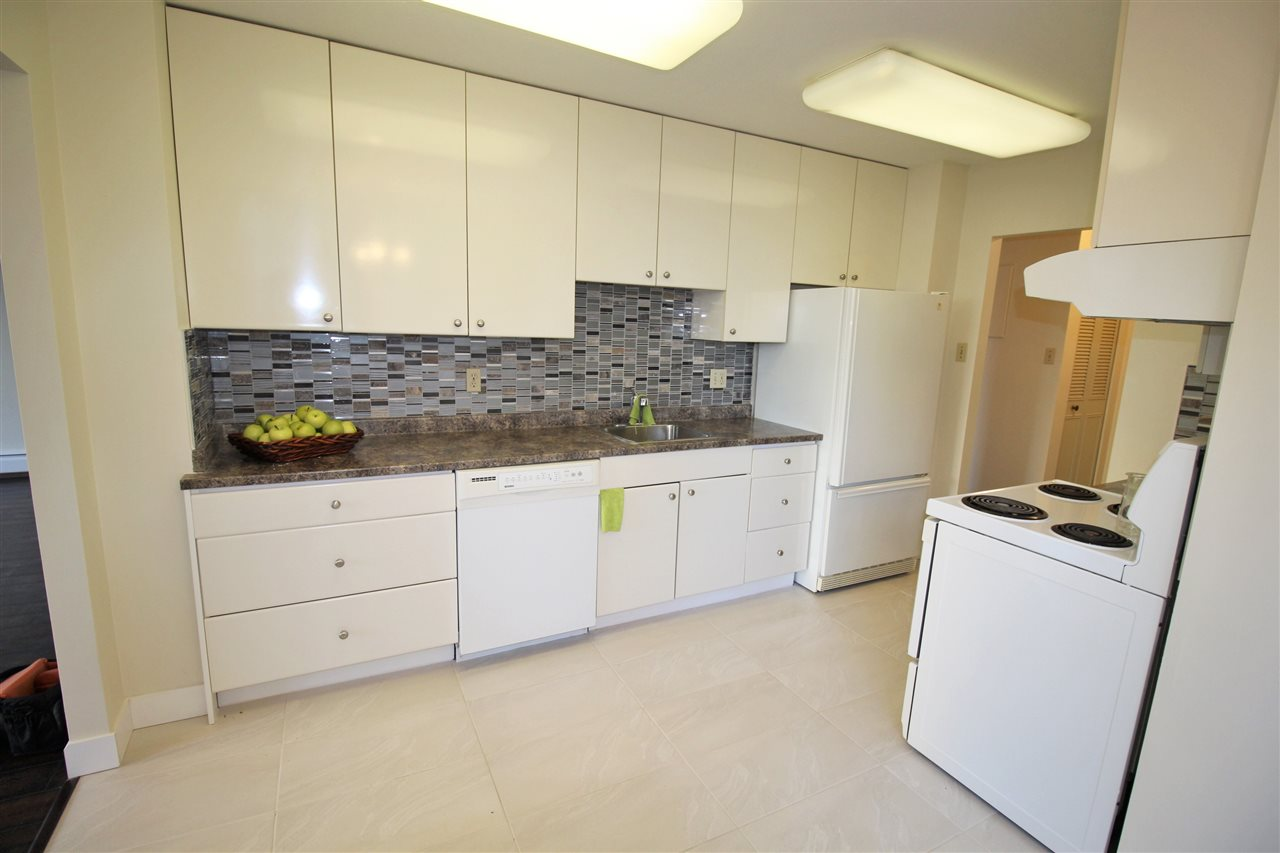 "Photo 2: 305 710 SEVENTH Avenue in New Westminster: Uptown NW Condo for sale in ""THE HERITAGE"" : MLS(r) # R2116270"