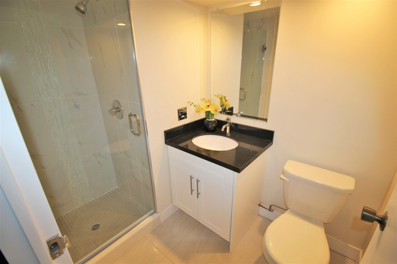 "Photo 11: 305 710 SEVENTH Avenue in New Westminster: Uptown NW Condo for sale in ""THE HERITAGE"" : MLS(r) # R2116270"