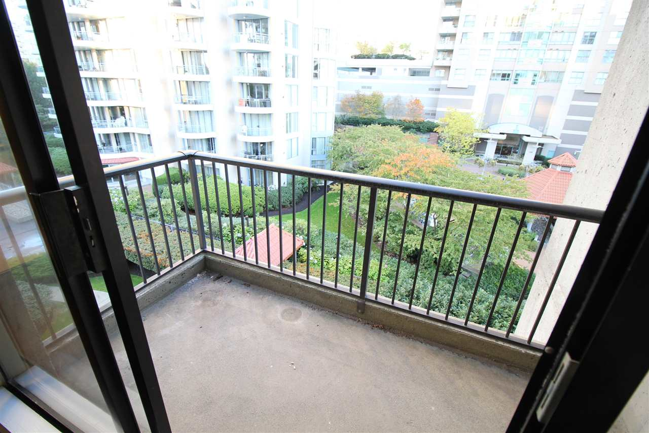 "Photo 12: 305 710 SEVENTH Avenue in New Westminster: Uptown NW Condo for sale in ""THE HERITAGE"" : MLS(r) # R2116270"