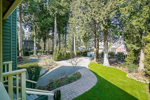 "Photo 3: 12502 25 Avenue in Surrey: Crescent Bch Ocean Pk. House for sale in ""CRESCENT BEACH"" (South Surrey White Rock)  : MLS® # R2152300"