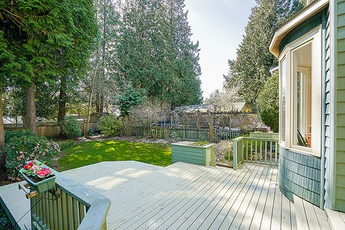 "Photo 18: 12502 25 Avenue in Surrey: Crescent Bch Ocean Pk. House for sale in ""CRESCENT BEACH"" (South Surrey White Rock)  : MLS® # R2152300"