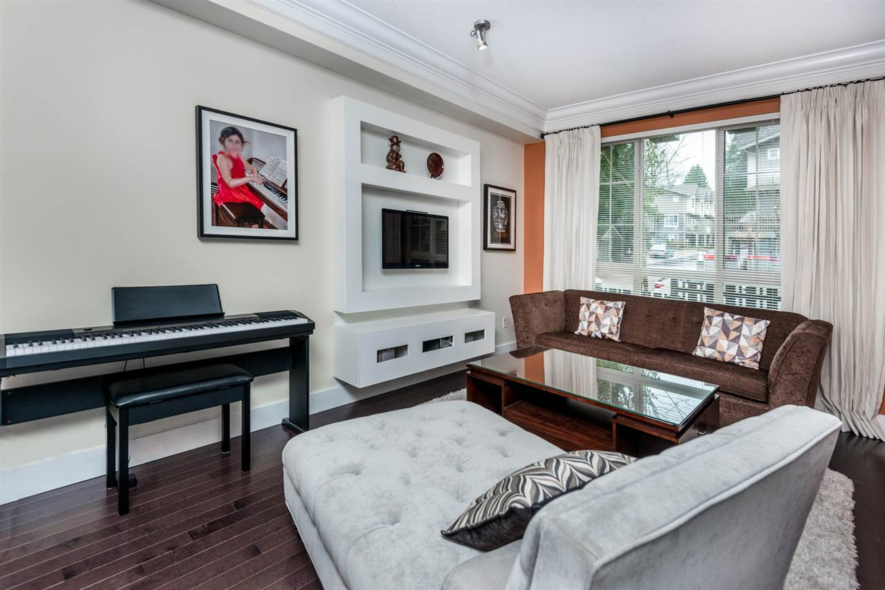 "Photo 4: 73 1338 HAMES Crescent in Coquitlam: Burke Mountain Townhouse for sale in ""FARRINGTON PARK"" : MLS® # R2153419"