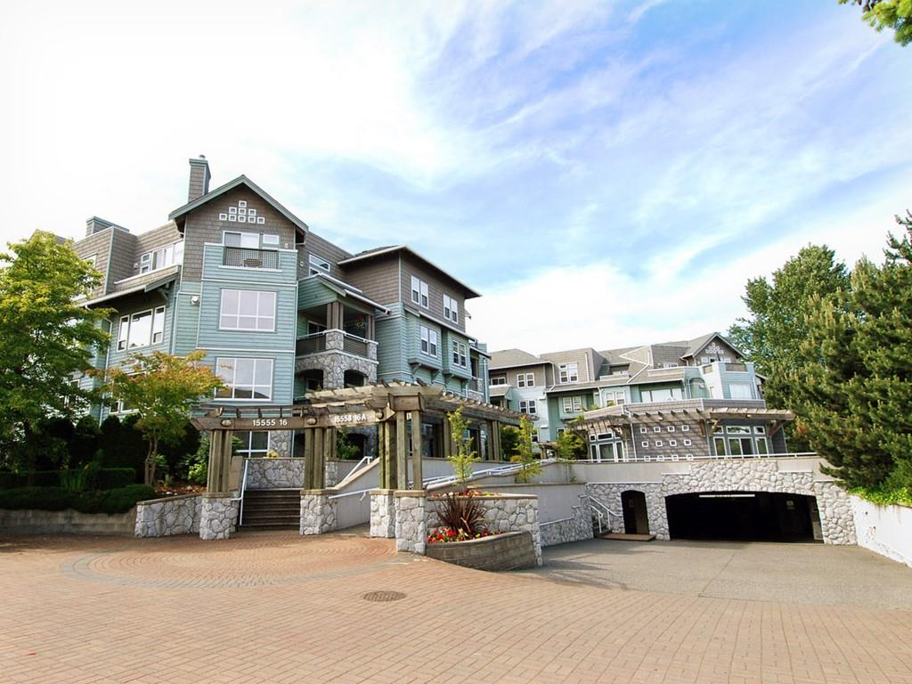 "Main Photo: 310 15555 16TH Avenue in Surrey: Sunnyside Park Surrey Condo for sale in ""Sandringham"" (South Surrey White Rock)  : MLS®# R2162122"