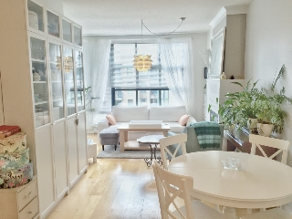 Main Photo: 2268 Redbud Lane in Vancouver: Kitsilano Condo for rent (Vancouver West)